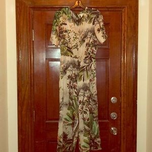 H & M romper in excellent condition worn once.